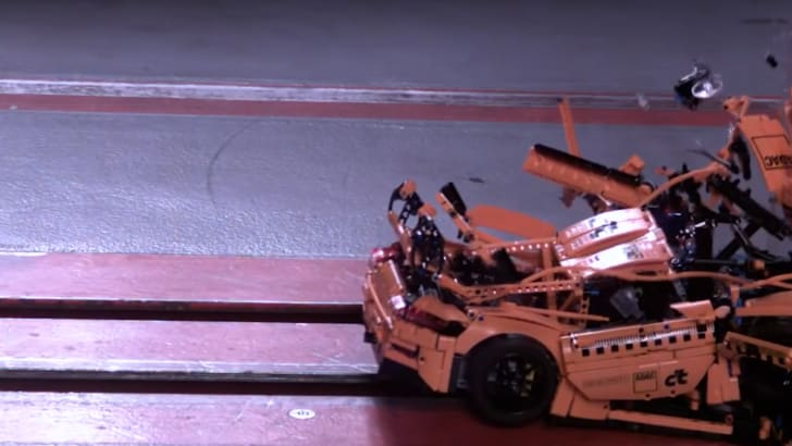 porsche_911_lego_crash_test