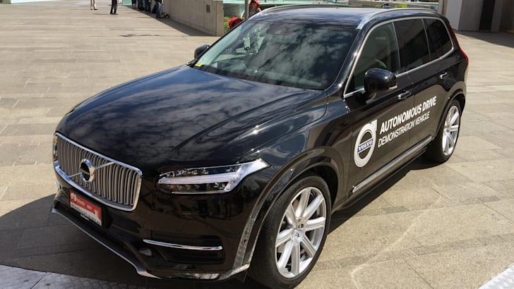 2015_volvo_xc90_australian-driverless-vehicle-initiative_02