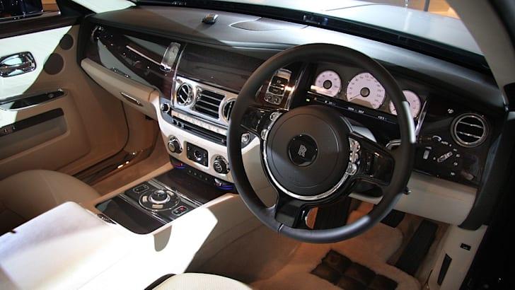 Rolls-Royce-Ghost-intdriver