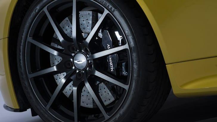 Aston Martin V12 Vantage S21