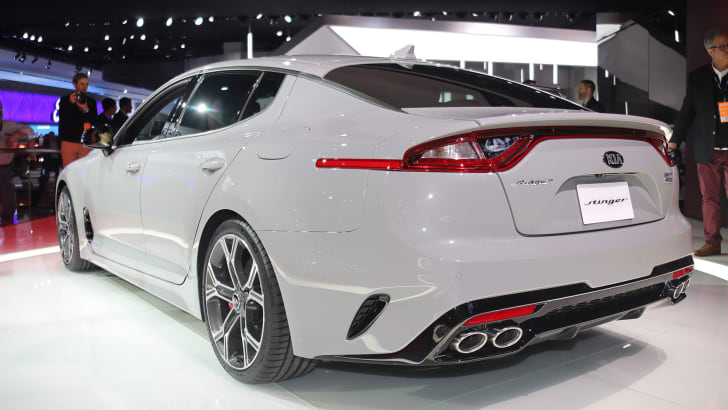 kia-stinger-rear-2