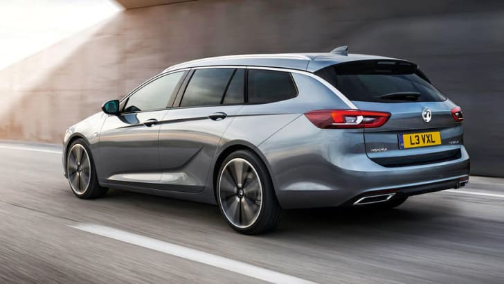 2018_holden_commodore_sportwagon_opel-insignia-sports-tourer_small_06