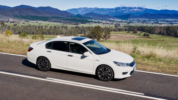 Honda_Accord_Sport_Hybrid_08