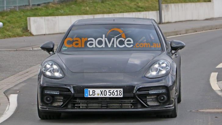2017-porsche-panamera-testing-nurburgring-5