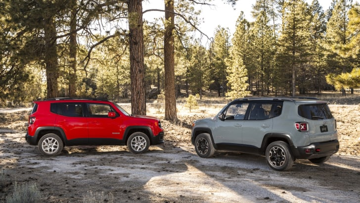 2015-Jeep-Renegade-Press-33
