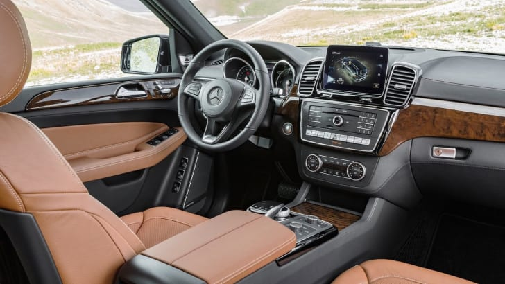 Mercedes-Benz-GLS350d-3
