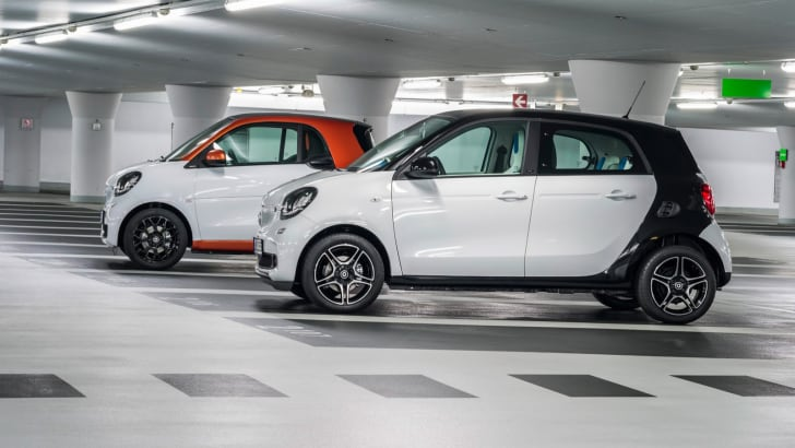 2015-Smart-ForTwo-ForFour-13