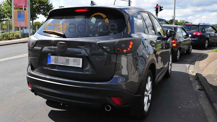 Mazda CX-5 facelift spy photo - rear