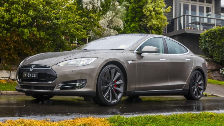 tesla-models-p85d-aug2015-32