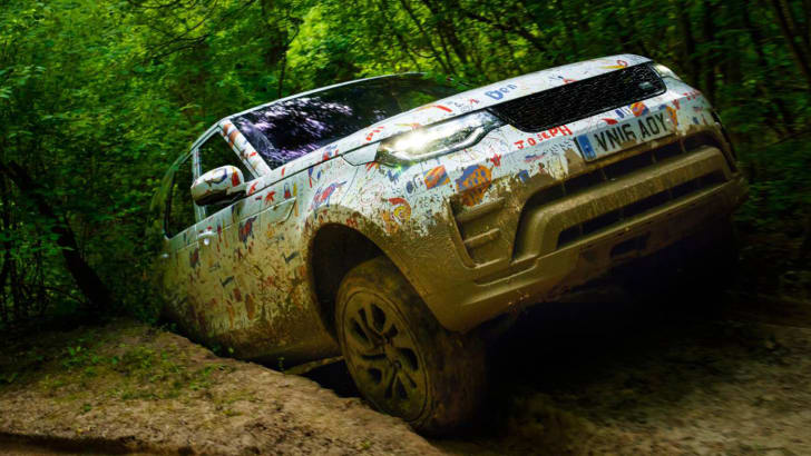2017_land-rover_discovery_kids_07