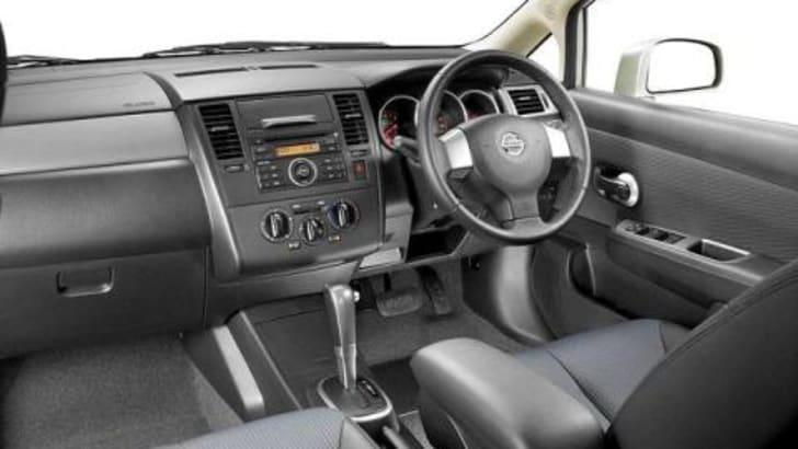 2007 Nissan Tiida Interior