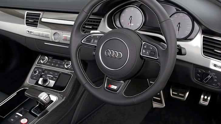 Audi-S8-7