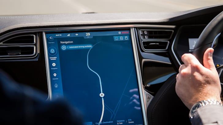 2017-bosch-autonomous-tesla-drive-its-39