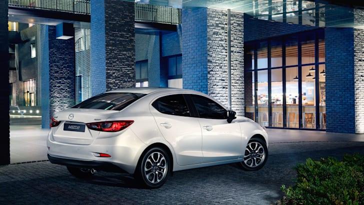 Mazda2 Sedan (5)