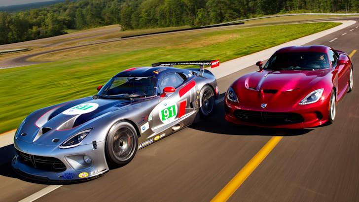 (L) 2013 SRT Viper GTS-R and (R) 2013 SRT Viper GTS