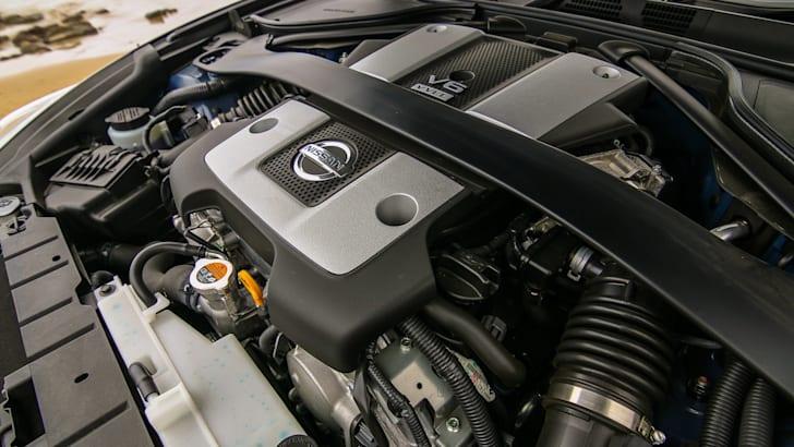 Nissan 370Z Roadster-21