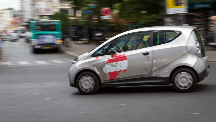 ev-car-share-paris-autolib-2015-23