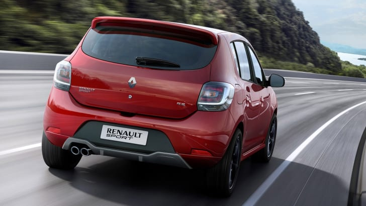 renault-sandero-rs-rear