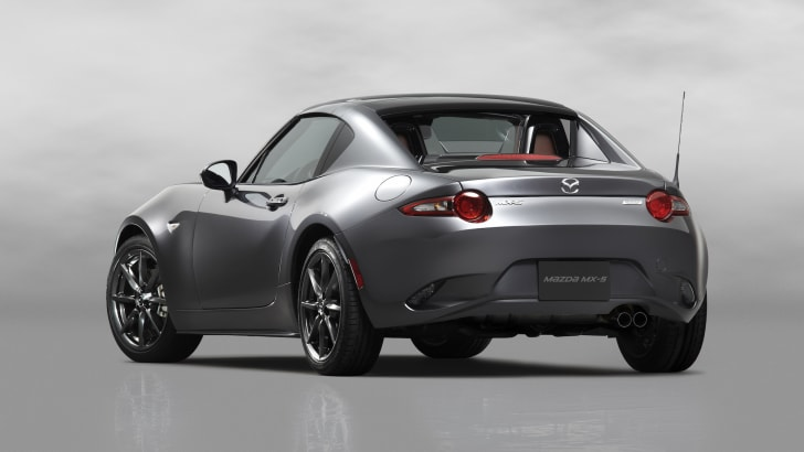 6Mazda_MX-5RF_showmodel_RQ_close_white