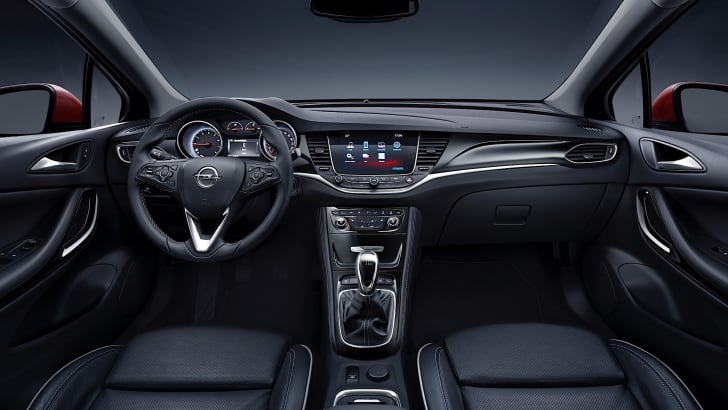 2017-opel-astra-sports-tourer-interior-photos