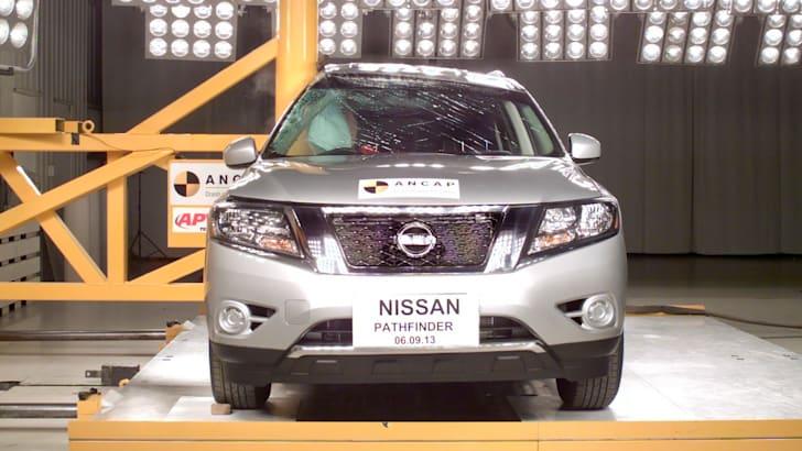 Nissan Pathfinder Pole