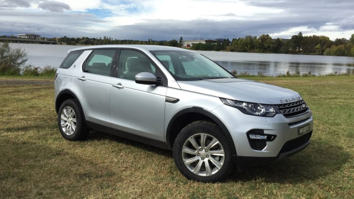 2015-Land-Rover-Discovery-Sport-Review-39