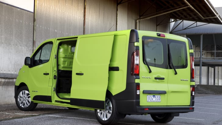 2015 Renault Trafic_14