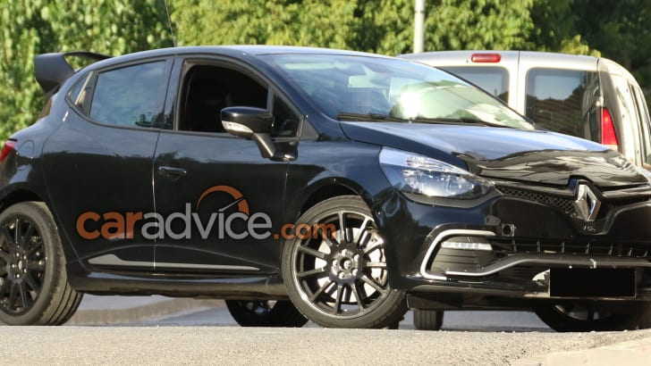 renault-clio-rs-16-spy-2-front