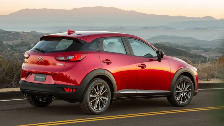 2015-Mazda-CX3-05
