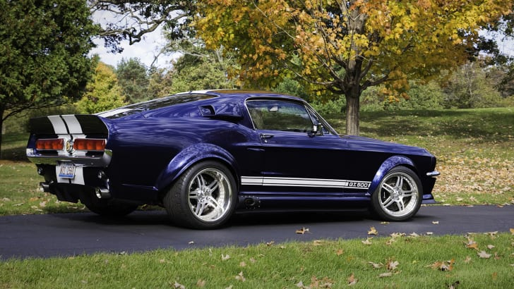 transforming-a-2012-shelby-mustang-into-a-1967-shelby-mustang-11