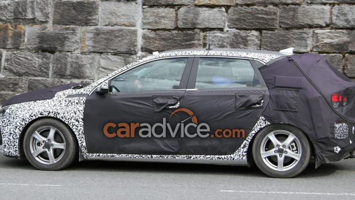 hyundai-i30-spy-5-side