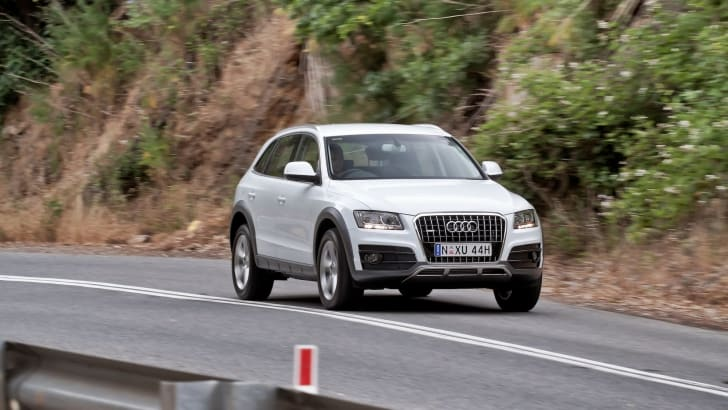 Audi Q5 cruising