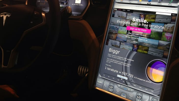 Tesla Model S web browser