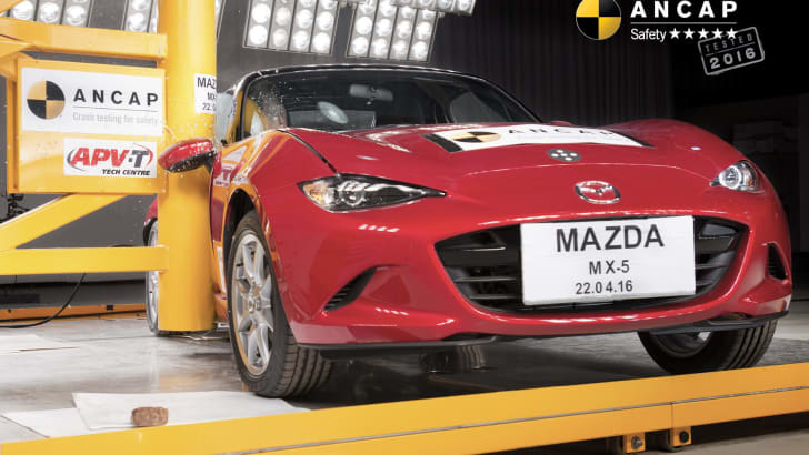 PHOTO - Mazda MX-5 (2016-onwards) pole