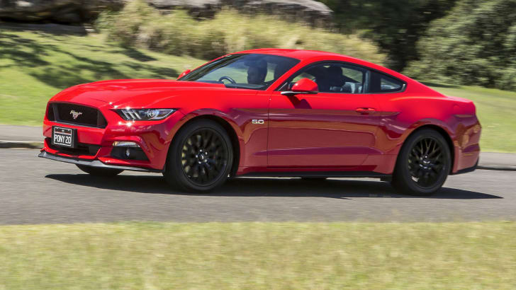 ford-mustang-v8-fastback-feb2016-42