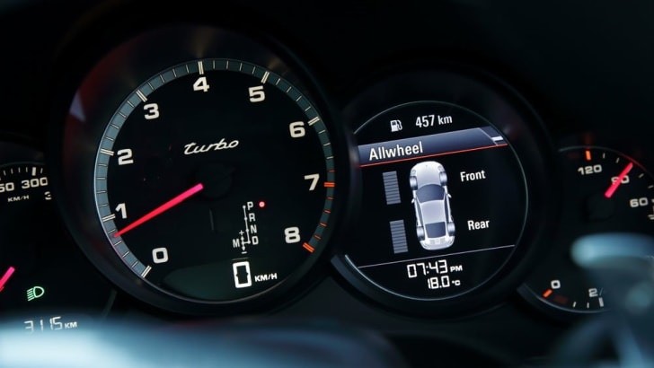2014-Porsche-911-Turbo-44