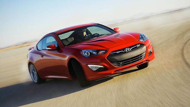 Hyundai-Genesis-Coupe - angle
