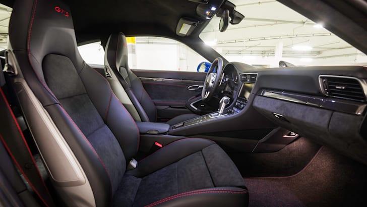 Porsche 911 GTS Club Coupe - 9