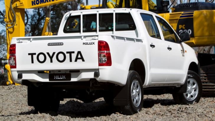 toyota-hilux-2
