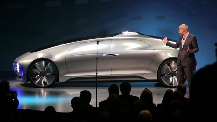 mercedes-benz-f015-side-vid