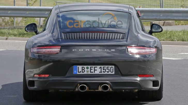 porsche-911-facelift-spy-f10-rear