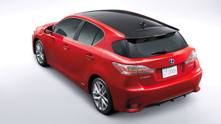 Lexus has unveiled a re-engineered and redesigned CT 200h in China.