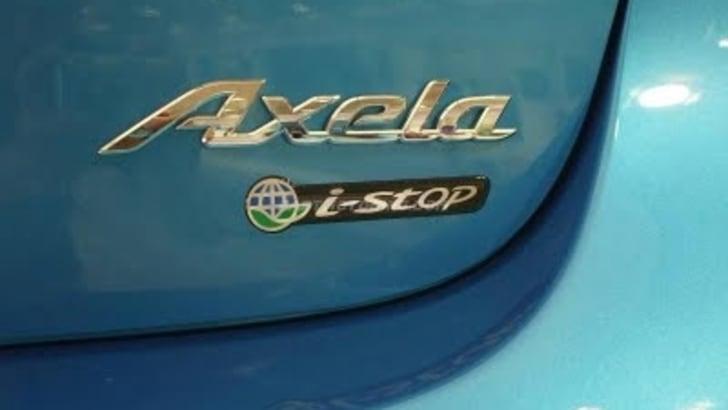 MazdaAxela_istop2