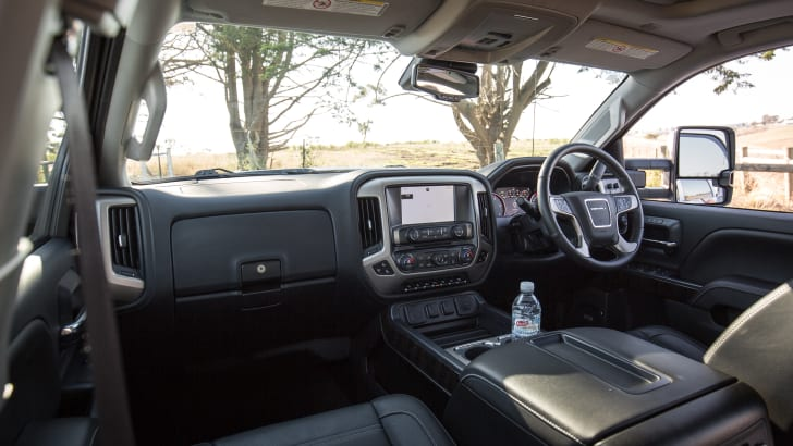 2016-gmc-sierra-denali-HD-dual-cab-ute-24