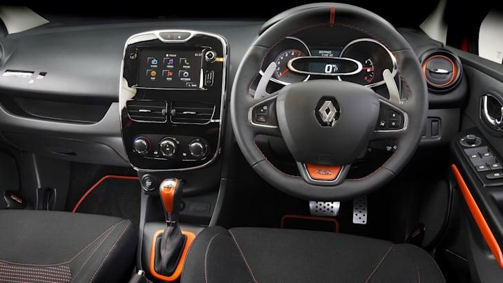 Renault-Clio-RS200-interior