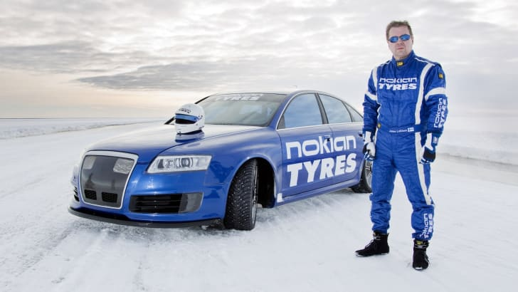 Audi RS6 Fastest Car on Ice - 5