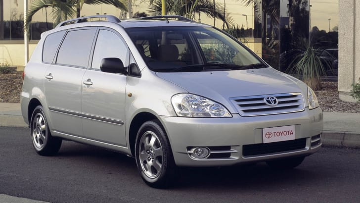 2001 Toyota Avensis, previewed at the Sydney Motor Show. 010926
