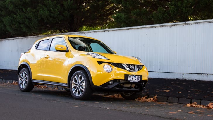 2015-nissan-juke-ST-manual-25