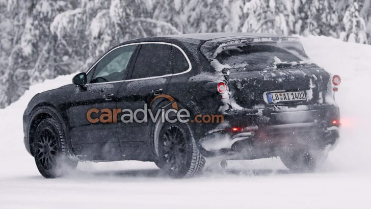 2017_porsche_cayenne_spy-photos_04