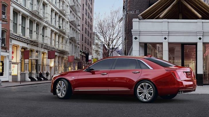 2016-Cadillac-CT6-11